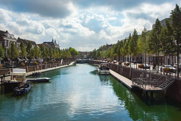Centralny kanał w breda, holandia