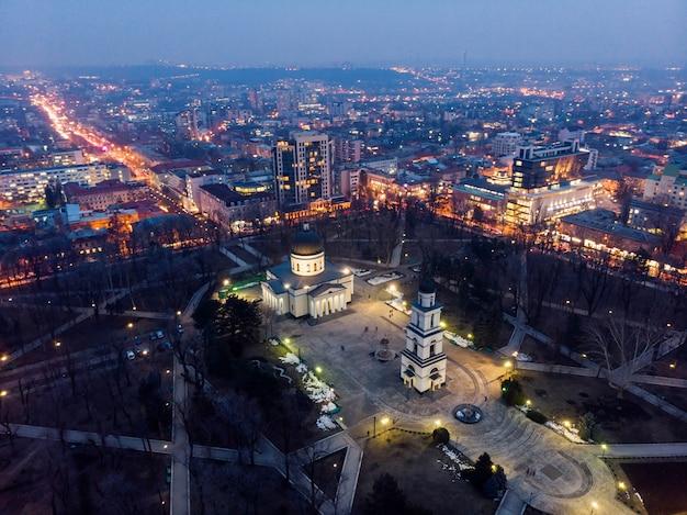 Centrum miasta kiszyniów w nocy
