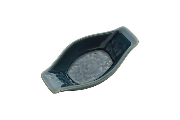Ceramiczna pusta miska kwadratowe geometryczne jasnoniebieskie rodzime wzory na białym tle
