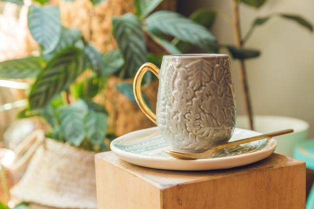 Ceramiczny kubek dekoracyjny