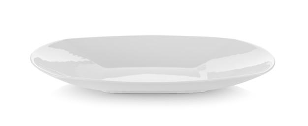 Ceramiczny talerz na białej ścianie