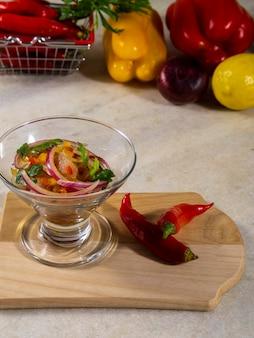 Ceviche z owoców morza, typowe danie z peru.