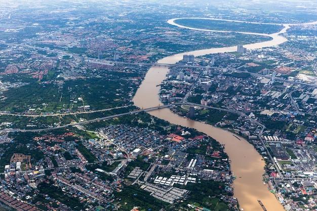 Chao phraya rzeczny bankok thailand widok od samolotu