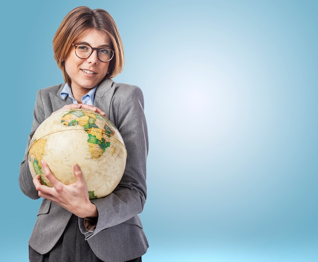 Charakter środowiska global international globe