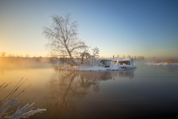 Chata rybaka w zimie