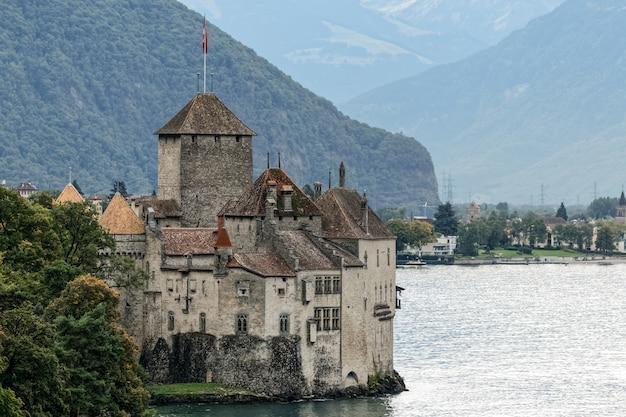Chateau de chillon w montreux w szwajcarii