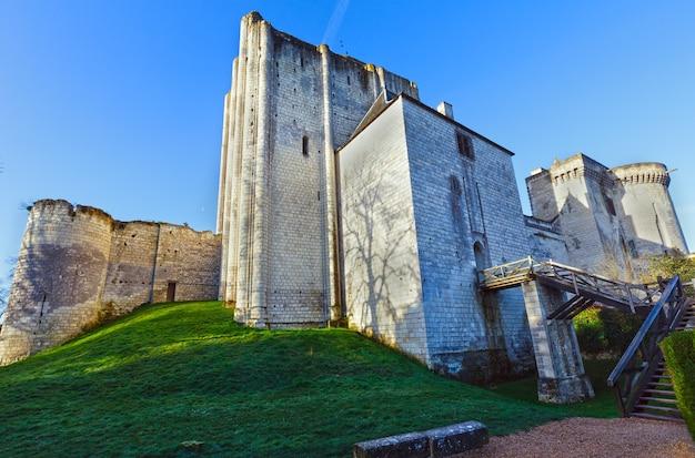 Chateau De Loches W Dolinie Loary We Francji Premium Zdjęcia