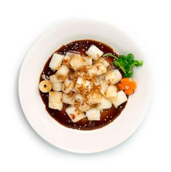 Chee cheong fun roladka z makaronem ryżowym na parze z gęstym słodkim sosem