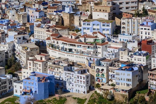 Chefchaouen częściowy widok niebieskiego miasta maroka w dniu 25 grudnia 2016 r.