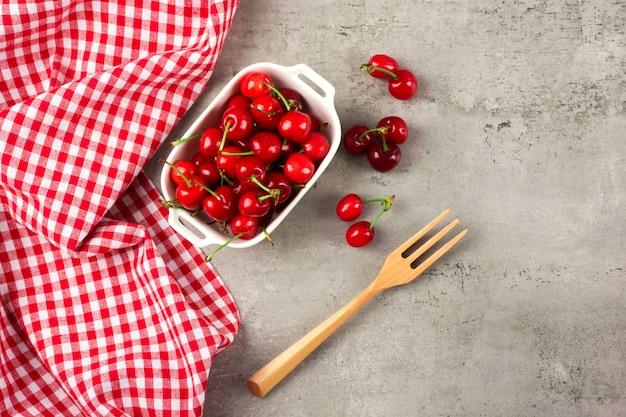 Cherry zbliżenie na miskę
