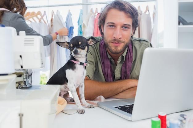 Chihuahua i projektant mody