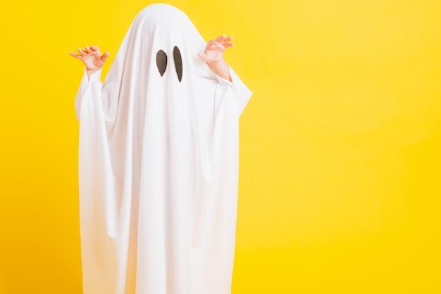 Childen z białym ubraniem kostium halloween duch straszny