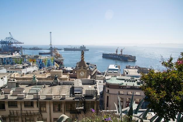 Chilijskie wybrzeża portu valparaiso