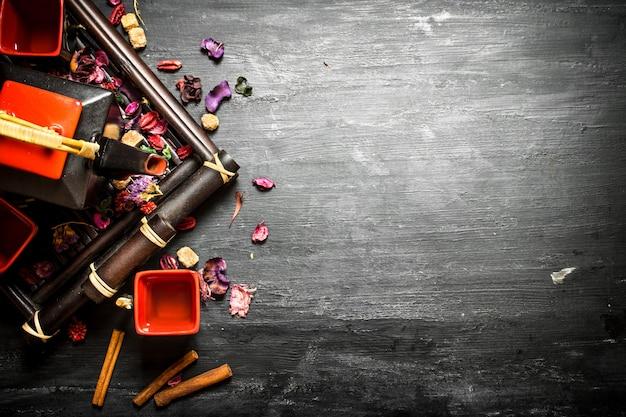 Chińska herbata z kwiatami i ziołami
