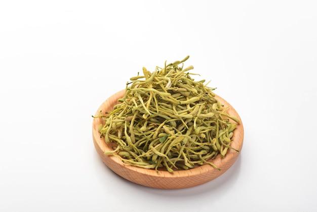 Chińska medycyna ziołowa wiciokrzew na białym tle