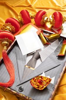 Chińska ozdoba do ceremonii pogrzebowej dla zmarłych ze złotym srebrnym papierem