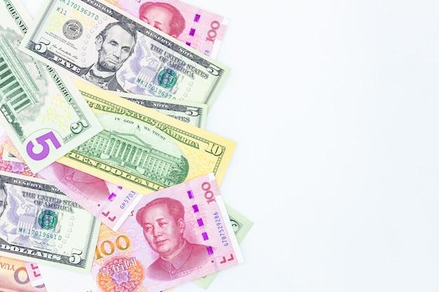 Chińska papierowa waluta yuan renminbi banknotów rachunek