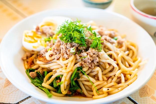Chiński styl makaron yunnan