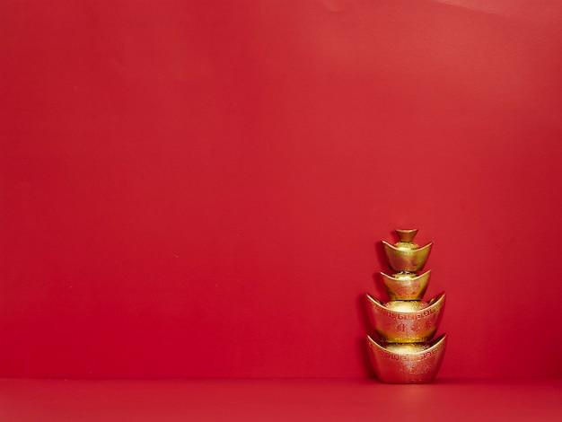 Chiński sztabki złota na czerwono