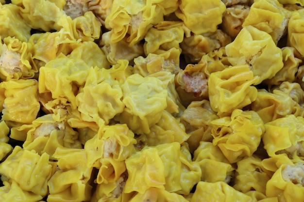 Chińskie pierogi wieprzowe na parze