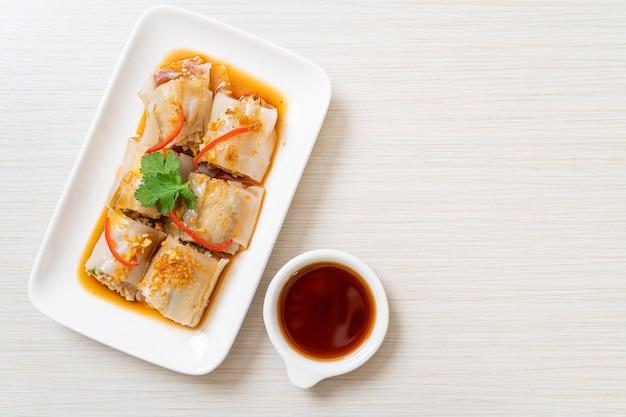 Chińskie rolki z makaronem ryżowym na parze