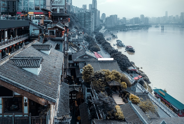 Chiny chongqing tradycyjne domy na palach