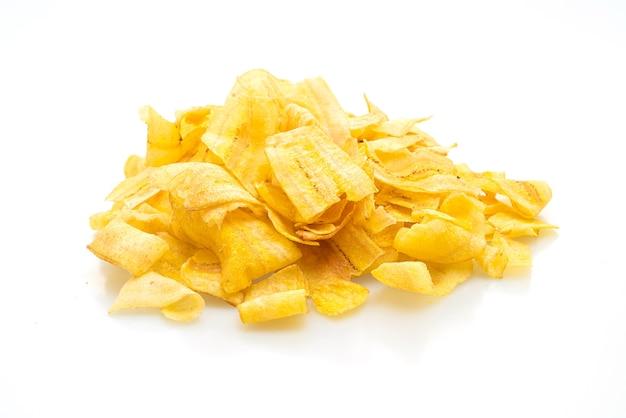 Chipsy bananowe na białym tle