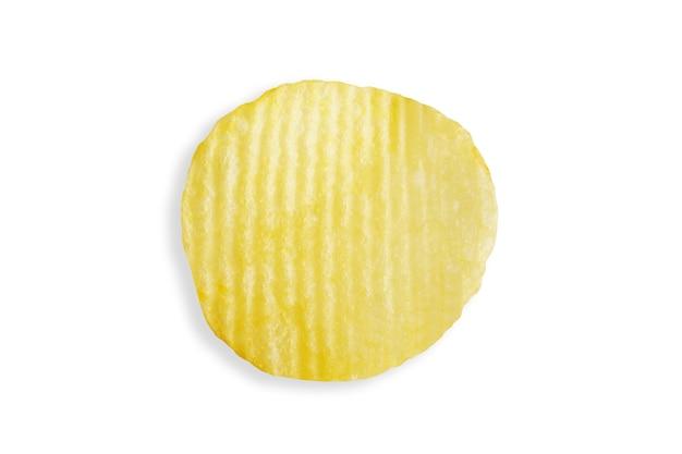 Chipsy na białym tle na białym tle ze ścieżką przycinającą