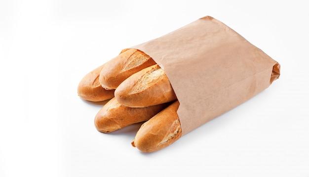 Chleb bagietkowy w papierowej torbie