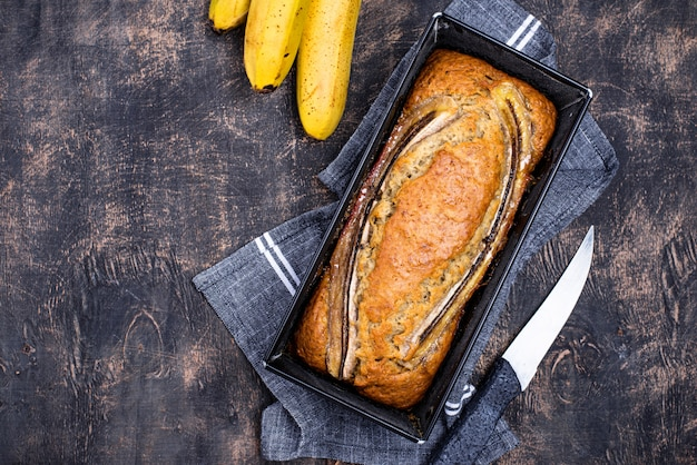 Chleb bananowy lub ciasto bochenek