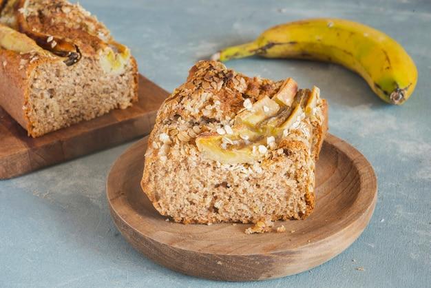 Chleb bananowy z owsem