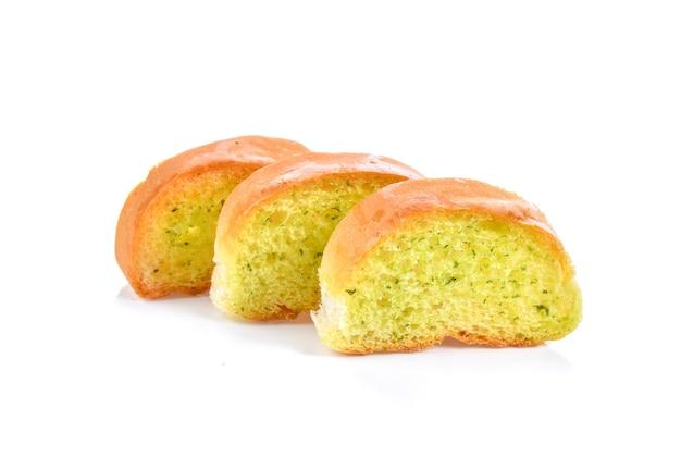 Chleb czosnkowy na białym tle