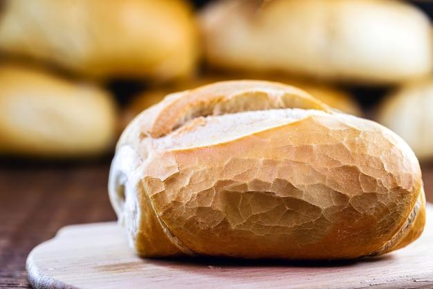 Chleb francuski, typowy chleb na słono, spożywany codziennie w brazylii.
