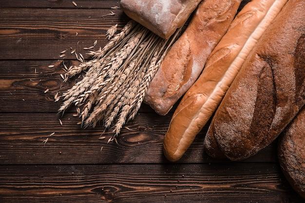 Chleb I Pszenica. Piekarnia Tło. Premium Zdjęcia