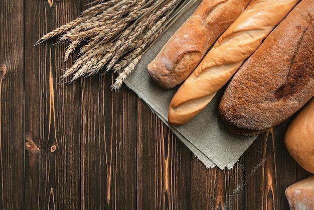 Chleb i pszenica. piekarnia tło.