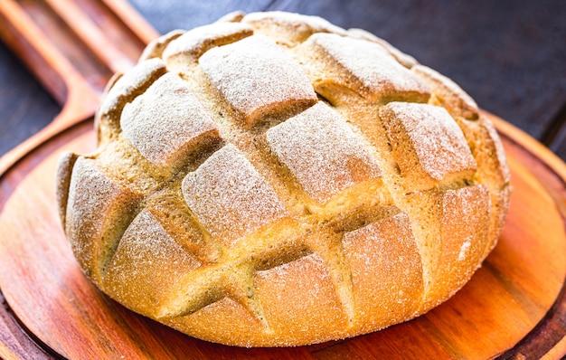 Chleb kukurydziany, mały biszkopt lub brazylijski chleb kukurydziany