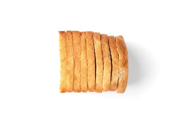 Chleb tostowy na białym tle.