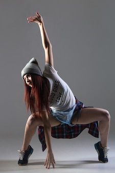 Chłodna taniec dziewczyna