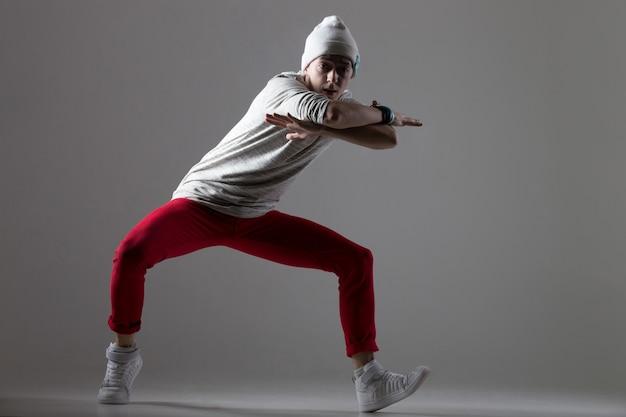 Chłodny ruch tańca współczesnego