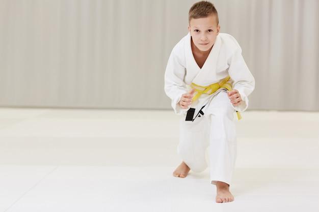 Chłopiec gotowy do walki