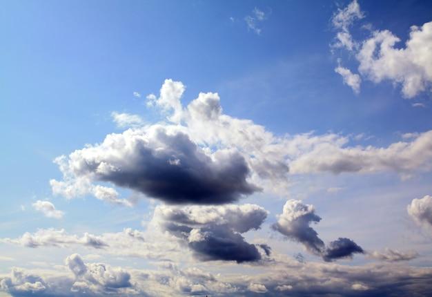 Chmura na niebie