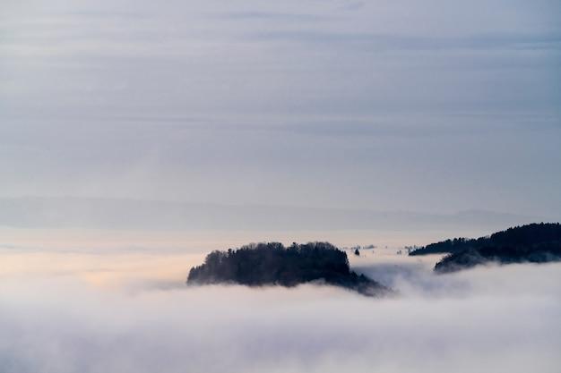 Chmury i mgła