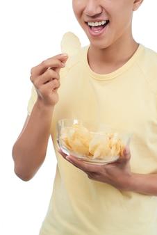 Chrupiące chipsy ziemniaczane