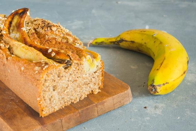 Chrupiący chleb bananowy z cynamonem