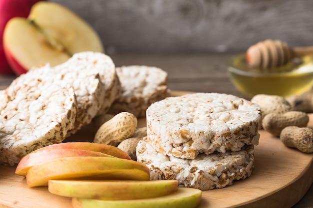 Chrupiący okrągły chleb z suszonej diety
