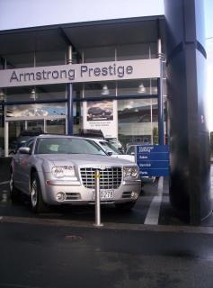 Chrysler 300 nakłada się