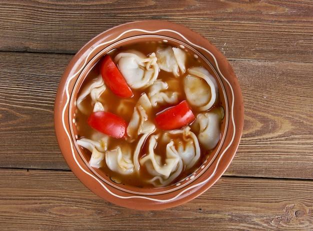 Chuchvara - bardzo mały knedel typowy dla kuchni uzbeckiej.