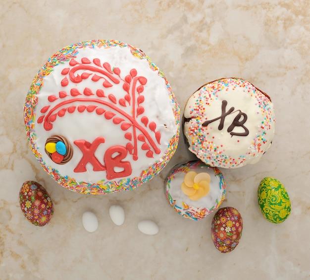 Ciasta na wielkanoc i jajka