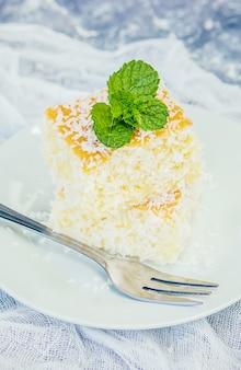 Ciasta w wiórkach kokosowych. zdjęcie. jedzenie.