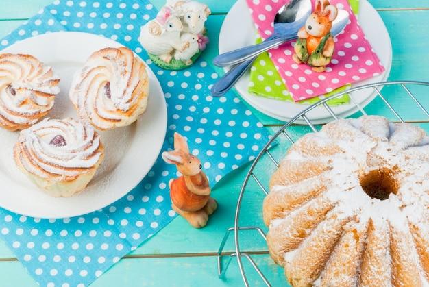 Ciasta wielkanocne i króliczki